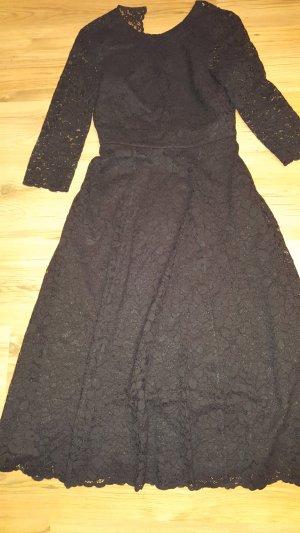 tolles Kleid komplett aus Spitze