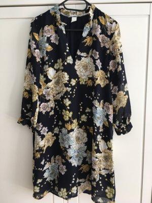 Tolles Kleid mit Blumenprint neu