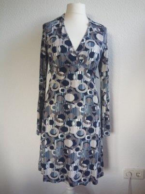 Tolles Kleid mit Muster