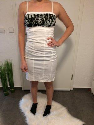 Tolles Kleid mit Pailletten