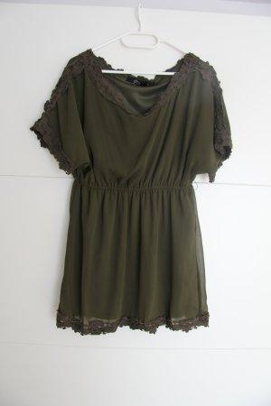 Tolles Kleid mit Spitze