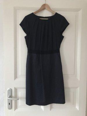 Tolles Kleid von Comma