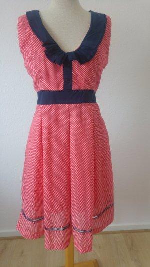 tolles Kleid von Eucalyptus