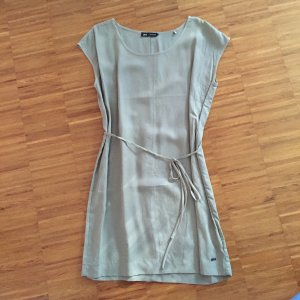 Tolles Kleid von gsus in lindgrün, Gr 40