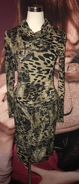 Tolles Kleid von Jones