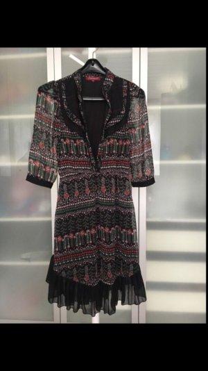 Tolles Kleid von Uttam London