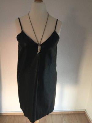 Tolles Lederimitat Kleid mit Kette