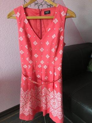 Tolles Oasis Sommerkleid mit Gürtel für besondere Anlässe