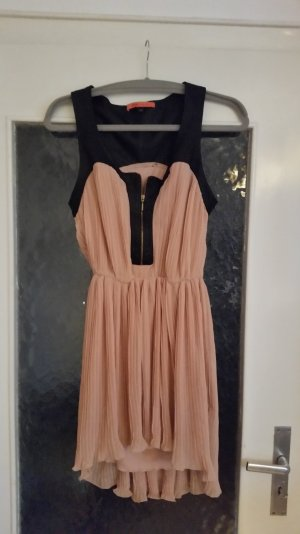 Tolles plissiertes Kleid von Bershka mit Trägern im Lederlook und Reißverschluss