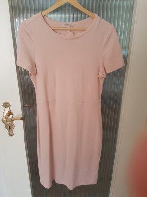 tolles puderrosa Kleid