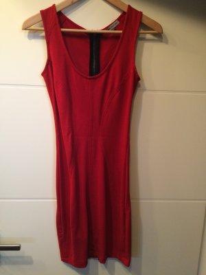 Tolles rotes Kleid zu verkaufen