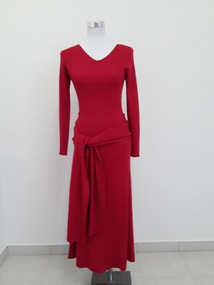 tolles rotes Strickkleid mit losem Schal zum Drapieren