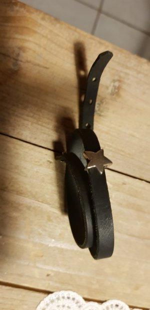 Tolles schwarzes Lederband mit Stern (abnehmbar) - einmal getragen
