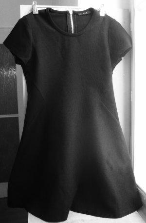 Tolles schwarzes tailliertes Herbstkleid in A Linien Form von Set Gr.42