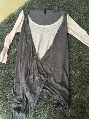 Tolles Shirt / figurumschmeichelnd / Größe 34 / Amisu