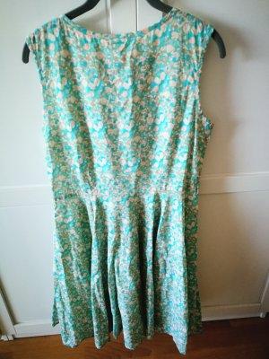 tolles Sommer-Kleid in schönem Muster