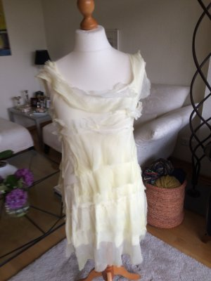 100 Dress pale yellow-primrose