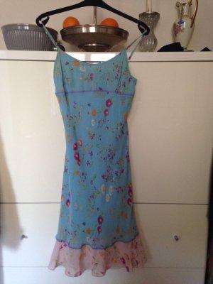 Tolles Sommerkleid in hellblau von Bennetton
