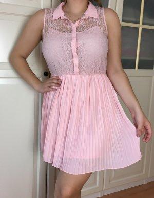 Tolles Spitzen Kleid von H&M, Hemdkleid mit Plissee-Rock in Rosa, Größe 42