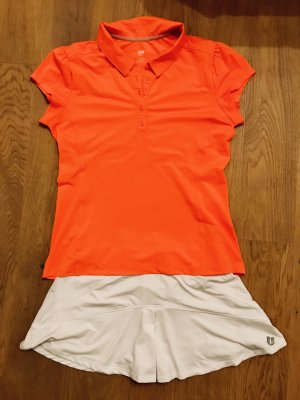 Tolles Tennis-Outfit
