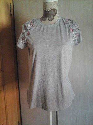 tolles tshirt Atmosphere Gr. 40 grau mit Blumenstickerei