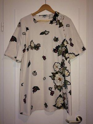 Tolles weißes Kleid mit Blumenprint von Zara
