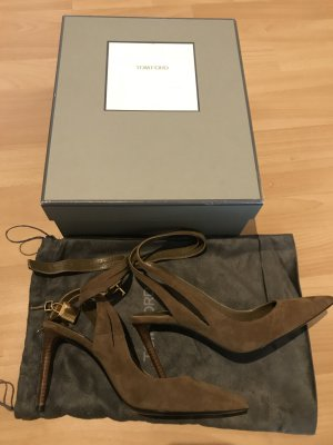 Tom Ford Wildlederpumps in olivgrün