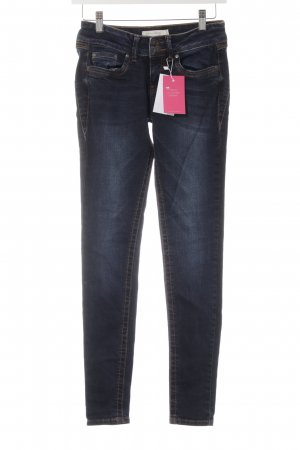 Tom Tailor Denim Slim Jeans dunkelblau Street-Fashion-Look