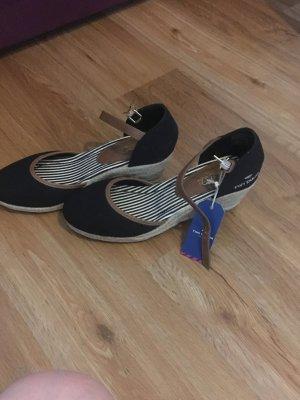 tom tailor sandalen g nstig kaufen second hand m dchenflohmarkt. Black Bedroom Furniture Sets. Home Design Ideas