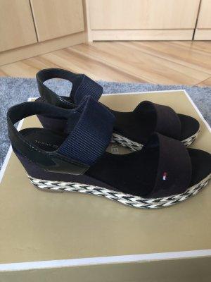 Tommy Hilfiger Plateauzool sandalen zwart-lichtbruin