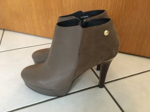 Tommy Hilfiger - Ankle Boots in Taupe