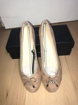 Tommy Hilfiger Ballerinas Gr. 41 beige Wildleder neu