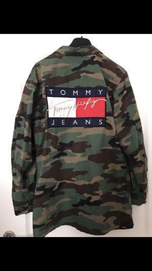 Tommy Hilfiger Camouflage Jacke mit Logo auf dem Rücken Größe M