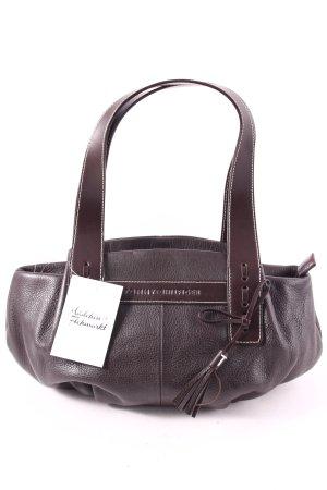 Tommy Hilfiger Handtasche dunkelbraun Street-Fashion-Look