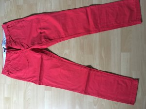 Tommy Hilfiger Hose in rot.