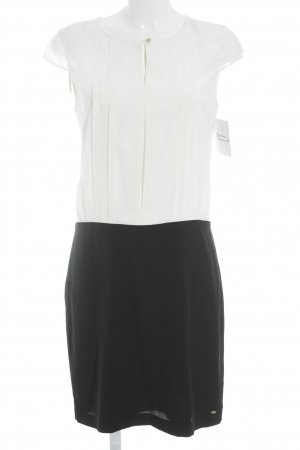 Tommy Hilfiger Robe à manches courtes blanc cassé-noir style classique