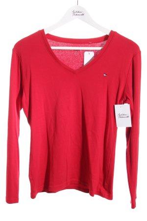 Tommy Hilfiger Jersey rojo look casual
