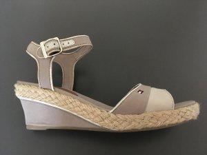 Tommy Hilfiger Strapped High-Heeled Sandals beige-oatmeal