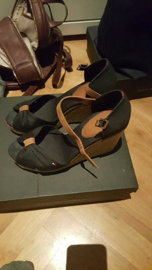 Tommy Hilfiger Sandaletten Größe 39