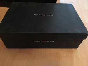 Tommy Hilfiger Schuhe in Schwarz