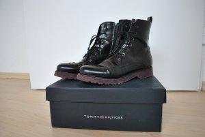 TOMMY HILFIGER Stiefel Größe 39 in schwarz mit Sternen