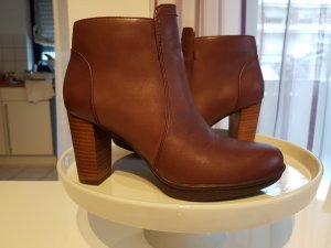 Tommy Hilfiger Short Boots brown-cognac-coloured leather