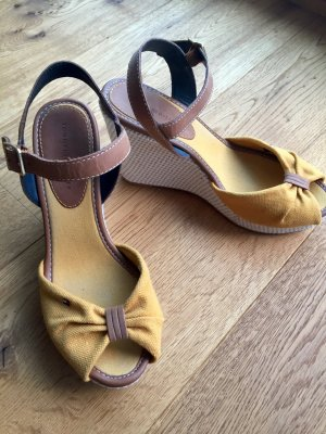 Tommy Hilfiger Wedge Sandals dark yellow-beige
