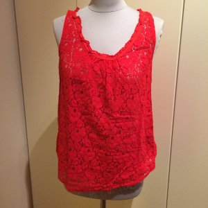 Top in rot mit Spitze