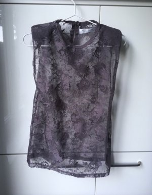 Top in Taupe aus Spitze in M