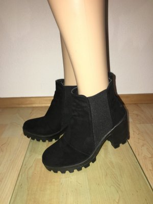 Topshop ankle Boots Bobby  Stiefeletten Gummisohle Profilsohle Plateau innen Sohle gepolstert bequem cool London