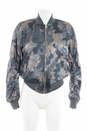 Topshop Bomberjacke Camouflagemuster Street-Fashion-Look