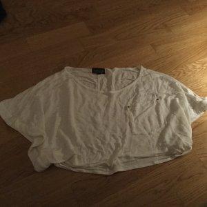 Topshop Croptop in creme mit aufgesetzter Tasche