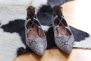 Topshop flache Schuhe mit Schnürung in Schlangenprint