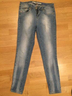Topshop Jamie Jeans W28 L30 Hellblau zu verkaufen